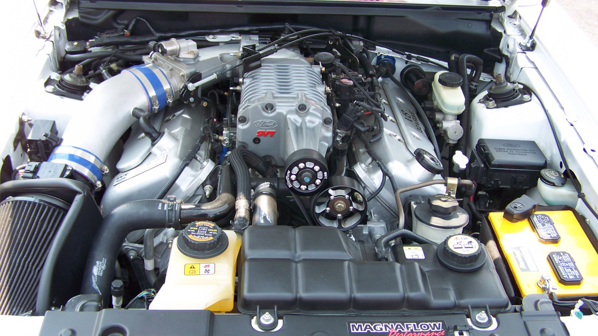Engine Bay on 2003 Ford Mustang 4 6l Engine